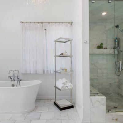 Bathroom Yale St. Santa Monica